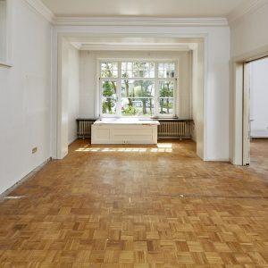 Jugendstilhaus mit Entwicklungspotenzial Hamburg Lokstedt Wohnzimmer Esszimmer Bibliothek