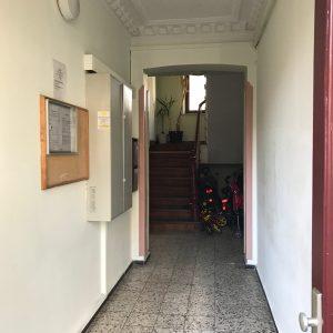 Mehrfamilienhaus Zinshaus Hamburg Altona Projektentwicklung Eigentumswohnungen Umbau Sanierung Dachausbau Neubau Stuck Treppenhaus