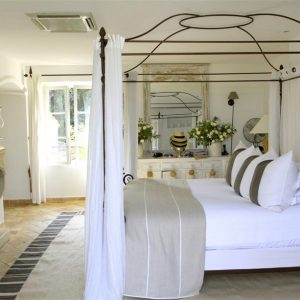 Villa Cote d`Azur Saint-Tropez Ramtuelle Meerblick Pampelonne Schlafzimmer Kamin