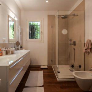 Villa unweit vom Strand Saint-Tropez Duschbad