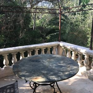 Villa Saint-Tropez Cote d`Azur Meerblick Parc des Salins Bastide Charmantes Haus Küche Terrasse Frühstück