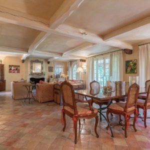 Villa Saint-Tropez Cote d`Azur Esszimmer