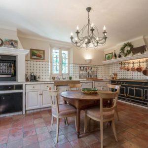 Villa Saint-Tropez Cote d`Azur Schlafzimmer Küche