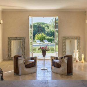 Villa Saint-Tropez Bastide du Pinet Cote d`Azur Ferienhaus Eingangshalle Pool Terrasse