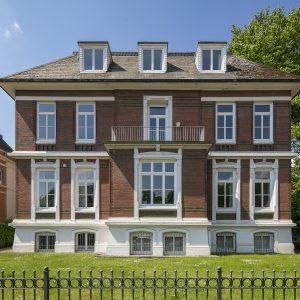 Stadtvilla Villa Altbau Hamburg Ottensen Projektentwicklung Umbau Sanierung Dachausbau Historische Fassade Altbau