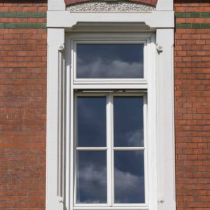 Stadtvilla Villa Altbau Hamburg Ottensen Projektentwicklung Umbau Sanierung Dachausbau Historische Fassade Altbau Details