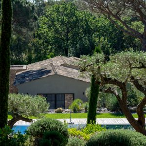Villa Saint-Tropez Ramatuelle Bastide Cote d`Azur Ferienhaus Garten Terrasse Bouleplatz Pool