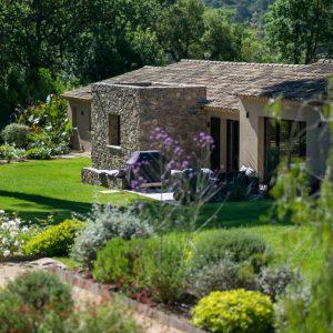 Villa Saint-Tropez Ramatuelle Bastide Cote d`Azur Ferienhaus Garten Terrasse Bouleplatz