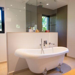 Villa Saint-Tropez Ramatuelle Bastide Cote d`Azur Ferienhaus Master-Bad Ensuite Badewanne