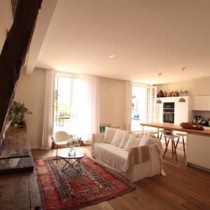 Saint-Tropez Cote d`Azur Wohnung Wohnzimmer Küche Bar