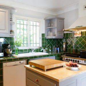 Villa La Garde Freinet Landsitz Cote d`Azur Ferienhaus Küche