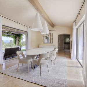 Villa Saint-Tropez Ramatuelle Cote d`Azur Ferienhaus Esszimmer Terrasse
