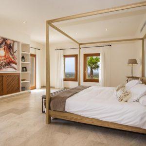 Mallorca Villa ALQUERIA BLANCA - NEUBAUFINCA MEERBLICK Pool Schlafzimmer Elternsuite
