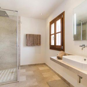 Mallorca Villa ALQUERIA BLANCA - NEUBAUFINCA MEERBLICK Pool Schlafzimmer Weitblick Duschbad