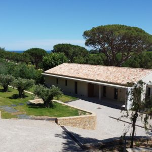 Villa Saint-Tropez Ramatuelle Landsitz Cote d`Azur Neubau Auffahrt