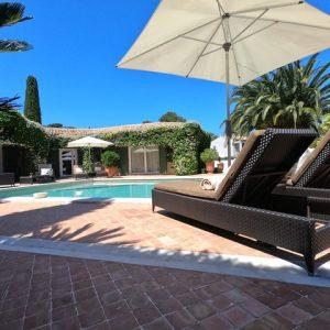 Private Domain Saint-Tropez Pool Sommer